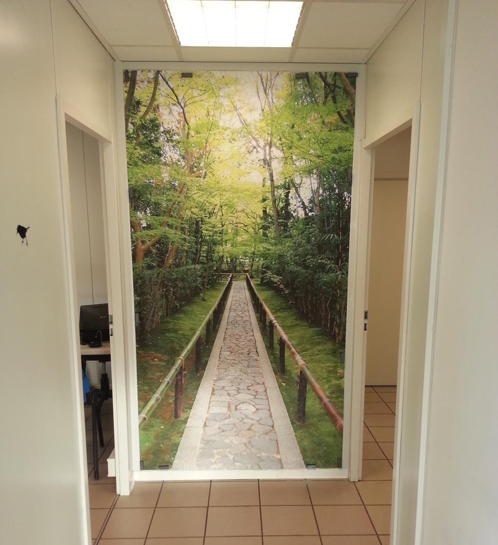 d coration murale pour le fond d 39 un couloir acte deco. Black Bedroom Furniture Sets. Home Design Ideas