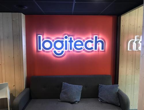 Un signalétique lumineuse pour les bureaux Logitech à Paris